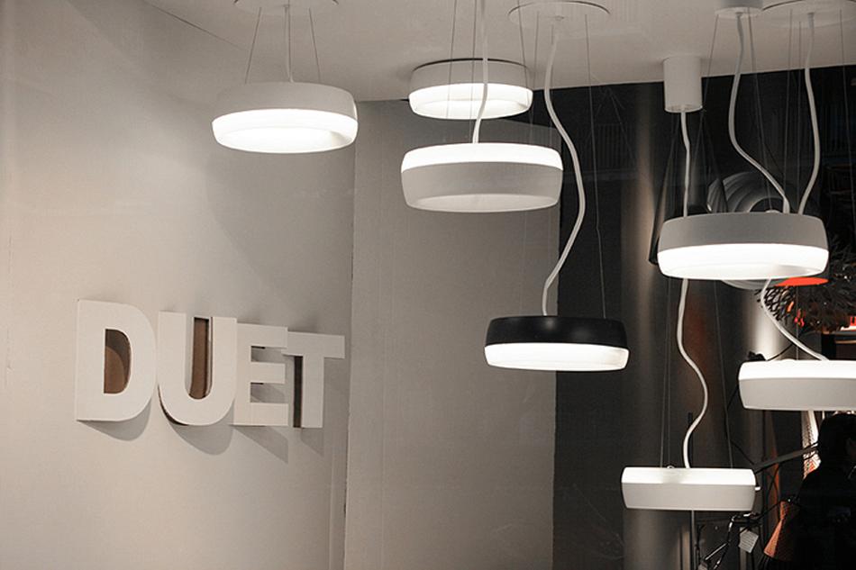 Lámpara Duet, diseño orgánico Foto Featured