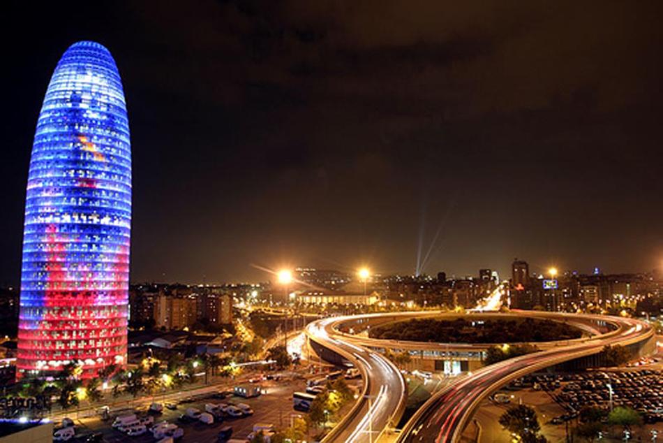 La Torre Agbar, la torre que toca el cielo agbar