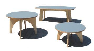 """""""Estas mesas, de madera y sobre con acabado de linóleo, son piezas versátiles y funcionales Se adaptan a cualquier uso dentro de la vivienda.""""  Mesas de Linoleo – mobiliario y iluminación – Decorar una casa Foto 110 357x196"""