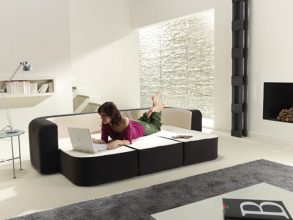 """Este sofá bautizado como Café & Leche, no es más que otra magnífica idea para minis apartamentos."""