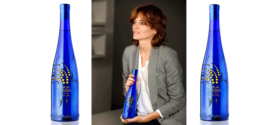 Laura Ponte diseña una botella Feautured6