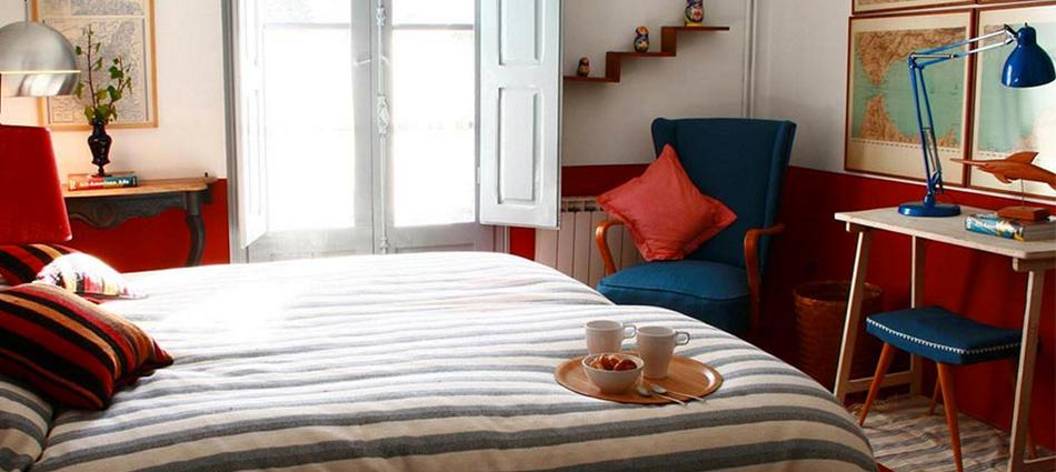 """""""Casa Josephine es la casa rural perfecta pasar una escapada romântica en la Rioja, una casa de finales del XIX convertida en un alojamiento cálido y elegante."""" La romantica Casa Josephine casa Josefina"""