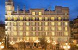 """""""El Hotel ME Madrid Reina Victoria es un Hotel de lujo, con diseño innovador y música moderna. Se encuentra estratégicamente situado en el centro de la ciudad, en la histórica plaza de Santa Ana de Madrid, con fácil acceso a los principales puntos de interés"""" Hotel ME Madrid Untitled 111 156x100"""