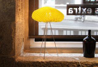 """""""Una lámpara de silicona con formas y texturas orgánicas."""""""