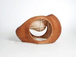 """""""Amalia, de los diseñadores Christopher Macaluso y Camila De Gregorio de Eggpicnic, consiste en un proyecto que aborda una serie de aspectos tradicionales.""""  Silla Amalia de Eggpicnic 32 293x220"""