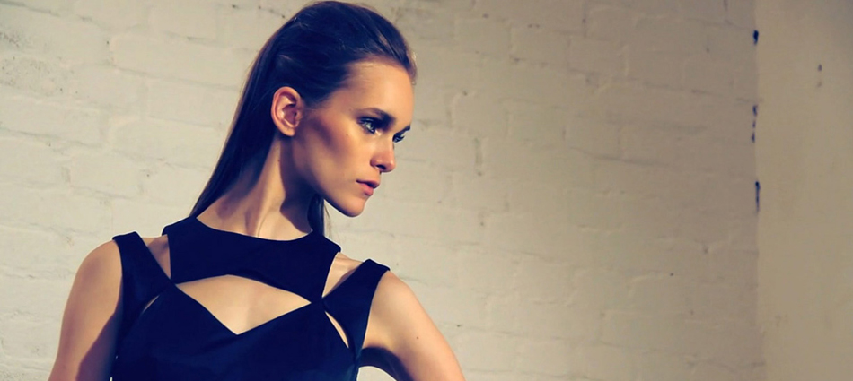 El diseñador de moda femenina Alex Vidal Untitled 11