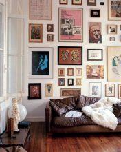 """""""Posters a gusto del consumidor y unos sencillos marcos negros para una pared llena de personalidad y de lo más atractiva""""  Las Paredes Vestidas, Mucho Más Atractivas: Arte Enmarcado o Framed Art  105 176x220"""