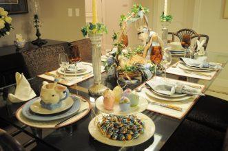 """""""Queremos mostraros algunas sencillas ideas para hacer un original centro de mesa para la época de Pascua.""""  Cómo decorar la mesa para Pascua Como decorar la mesa para Pascua 3 331x220"""