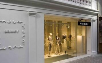 """""""Estudi Ribaudí es el estudio de que ha llevado a cabo el proyecto de interiorismo de la cuarta tienda de la diseñadora de moda Sita Murt en Barcelona""""  Diseño de la tienda Sita Murt en Barcelona portada10 357x220"""