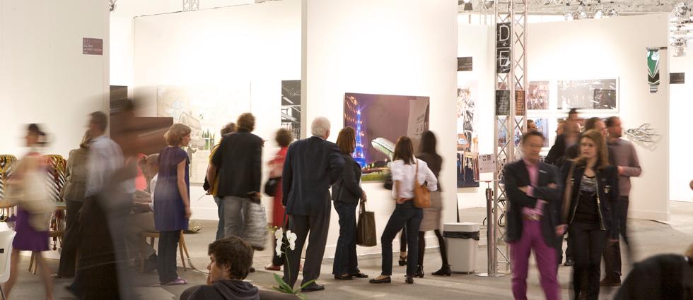 """""""ADN galería fue fundada con la voluntad de crear una plataforma híbrida entre mediación comercial y aportación cultural, cuyo objetivo es difundir tendencias artísticas actuales."""" ADN Galería, galeria de arte contemporánea en Barcelona adn galeria en barcelona 2"""