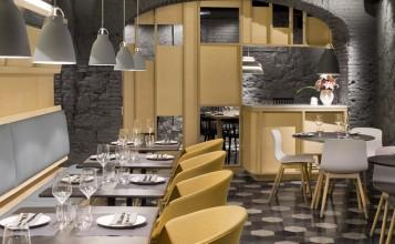 """""""El concepto gastronómico de Saboc """"cocina de temperatura"""", divide su propuesta en cuatro tipos de platos por temperaturas.""""  Saboc, cocina minimalista en el barrio del Born restaurante saboc en barcelona 8 357x220"""