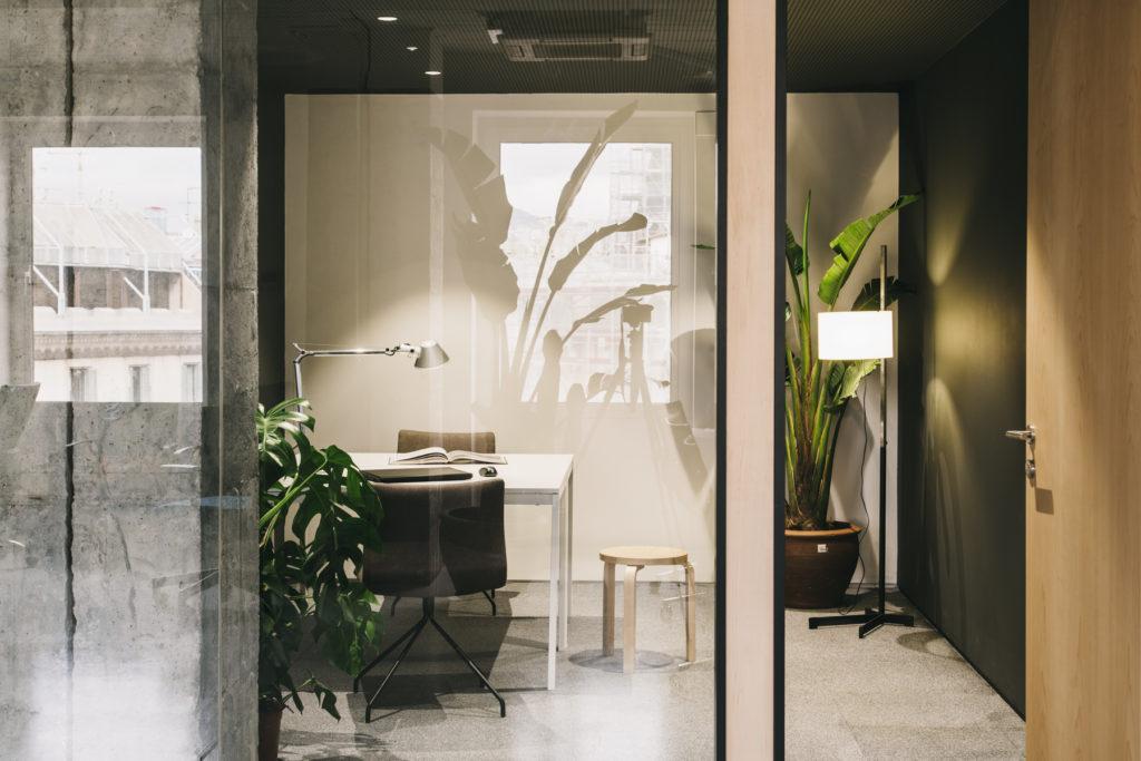 Interiorismo en Barcelona: Mesura crea proyectos lujuosos y elegantes [object object] Interiorismo en Barcelona: Mesura crea proyectos lujuosos y elegantes MESURA CloudCoworking 06 1024x683