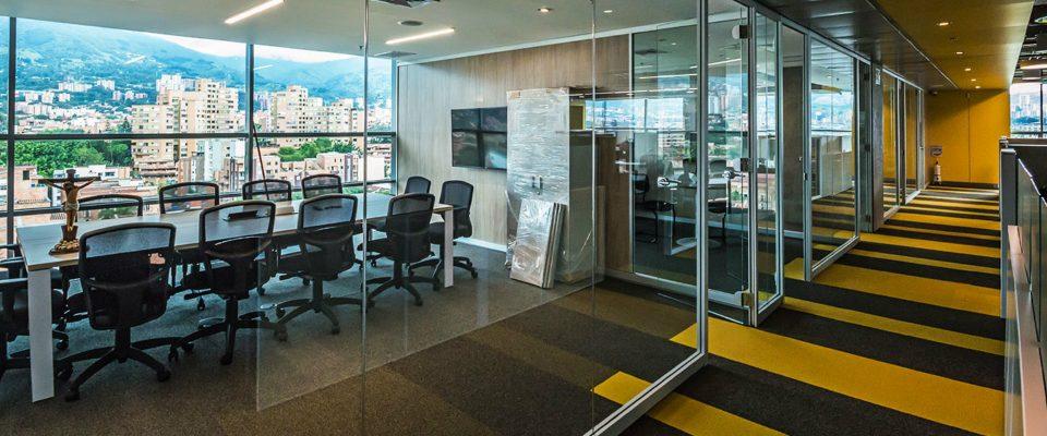 Interiorismo lujuoso y elegante: Proyectos en Colombia por Plus Design