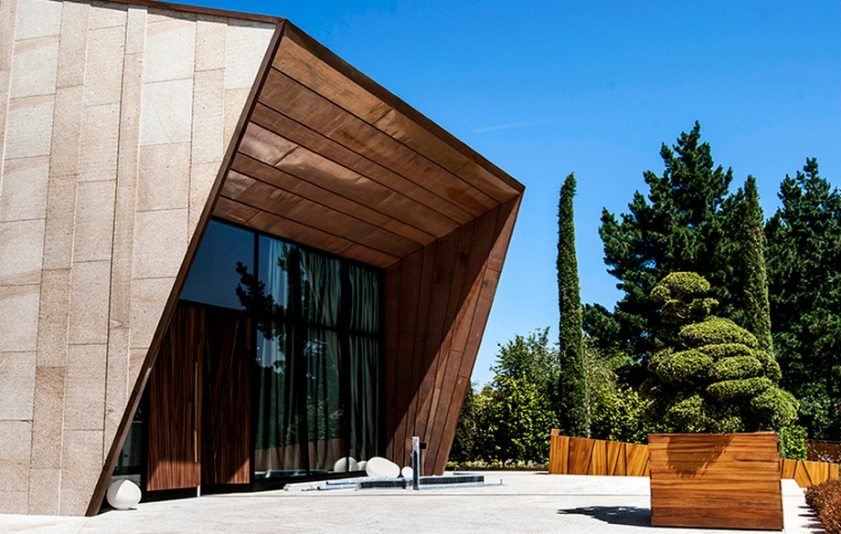 Estudio de Interiores: MAS Arquitectura con proyectos lujuosos estudio de interiores Estudio de Interiores: MAS Arquitectura con proyectos lujuosos FINCA MONTESQUEIRO ARQUITECTURA DISENO INTERIORISMO H 51