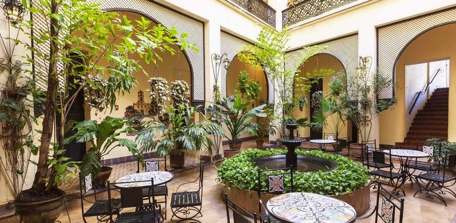 Top Hoteles: Las más importantes cadernas en España top hoteles Top Hoteles: Las más importantes cadernas en España 005GranHotel Patio 1 1