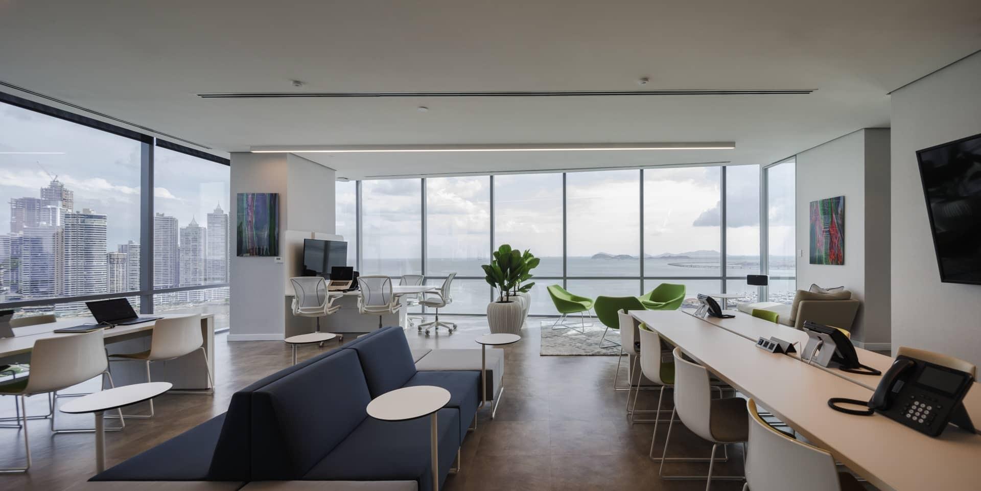 Mallol Arquitectura: Una oficina que crea proyecto exclusivos y poderosos mallol arquitectos Mallol Arquitectos: Una empresa que crea proyecto exclusivos y poderosos 2017155 OFICINAS MCKINSEY 06