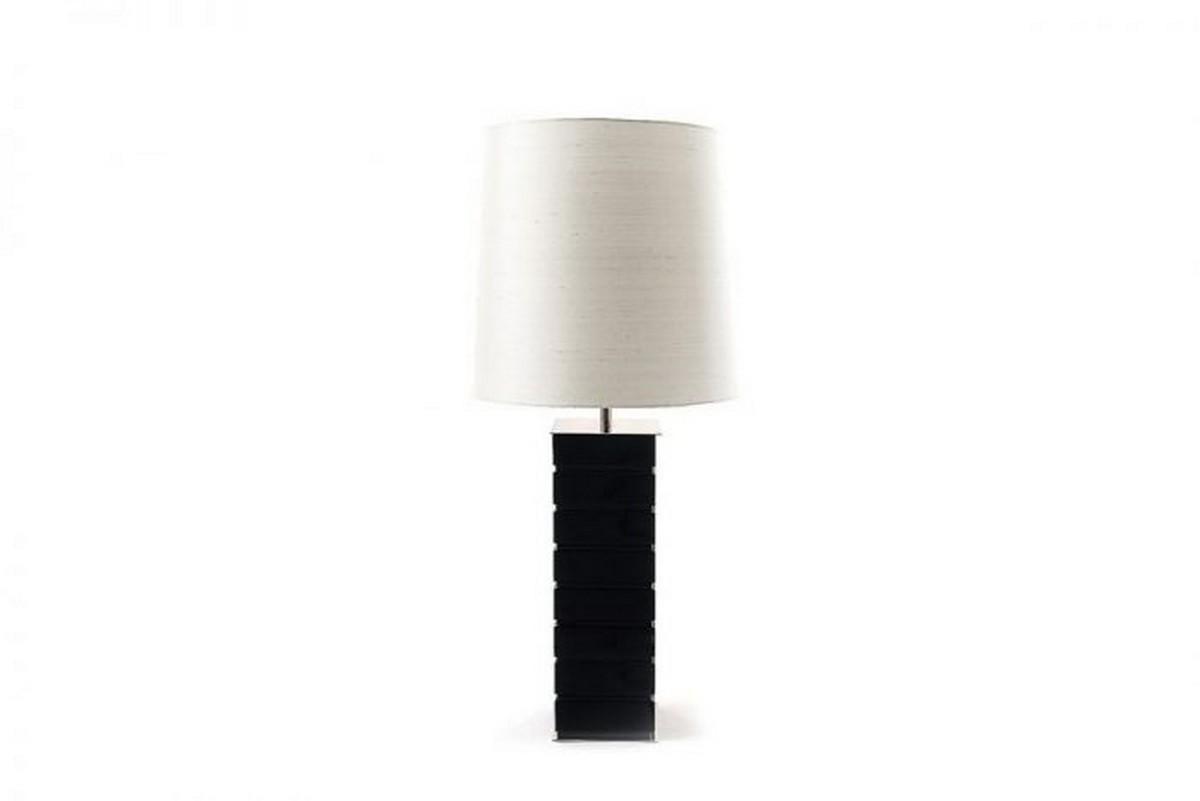 Diseño Moderno: Proyectos minimalistas que puedes encuentrar la simplicidad diseño moderno Diseño Moderno: Proyectos minimalistas que puedes encuentrar la simplicidad bombom table lamp 900x600 1
