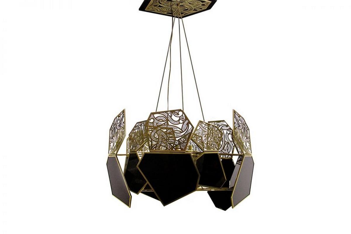 Candelabros elegantes: Piezas exclusivas para un proyecto lujuoso candelabros elegantes Candelabros elegantes: Piezas exclusivas para un proyecto lujuoso hypnotic chandelier koket 01 900x600 1
